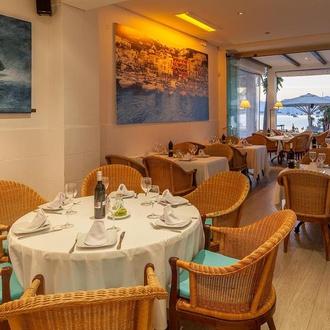 None Capri Hotel